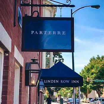 Parterre-entrance